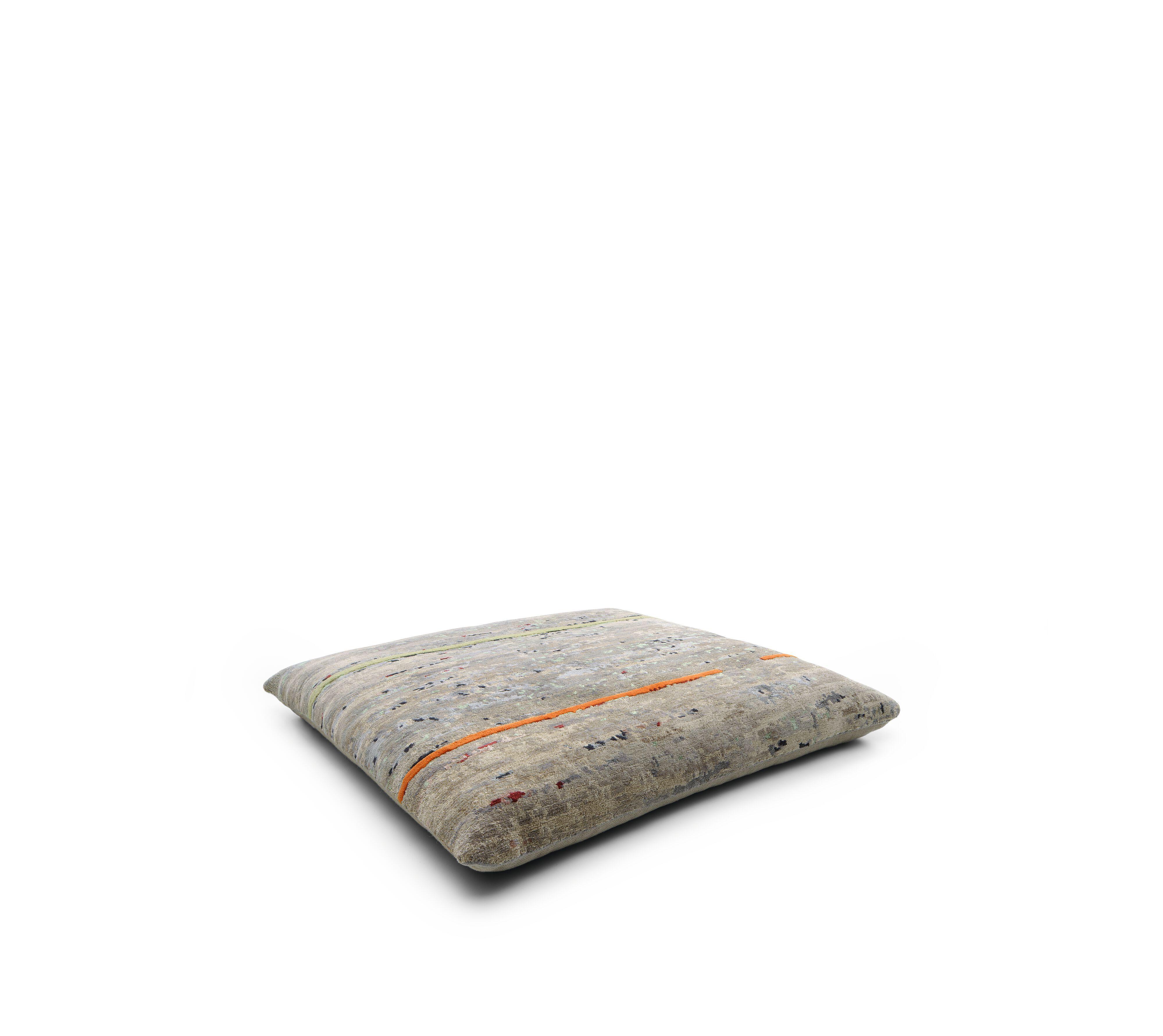 01-WK-Badawi-Pillows-Mpando-1x1-0002-H.tif