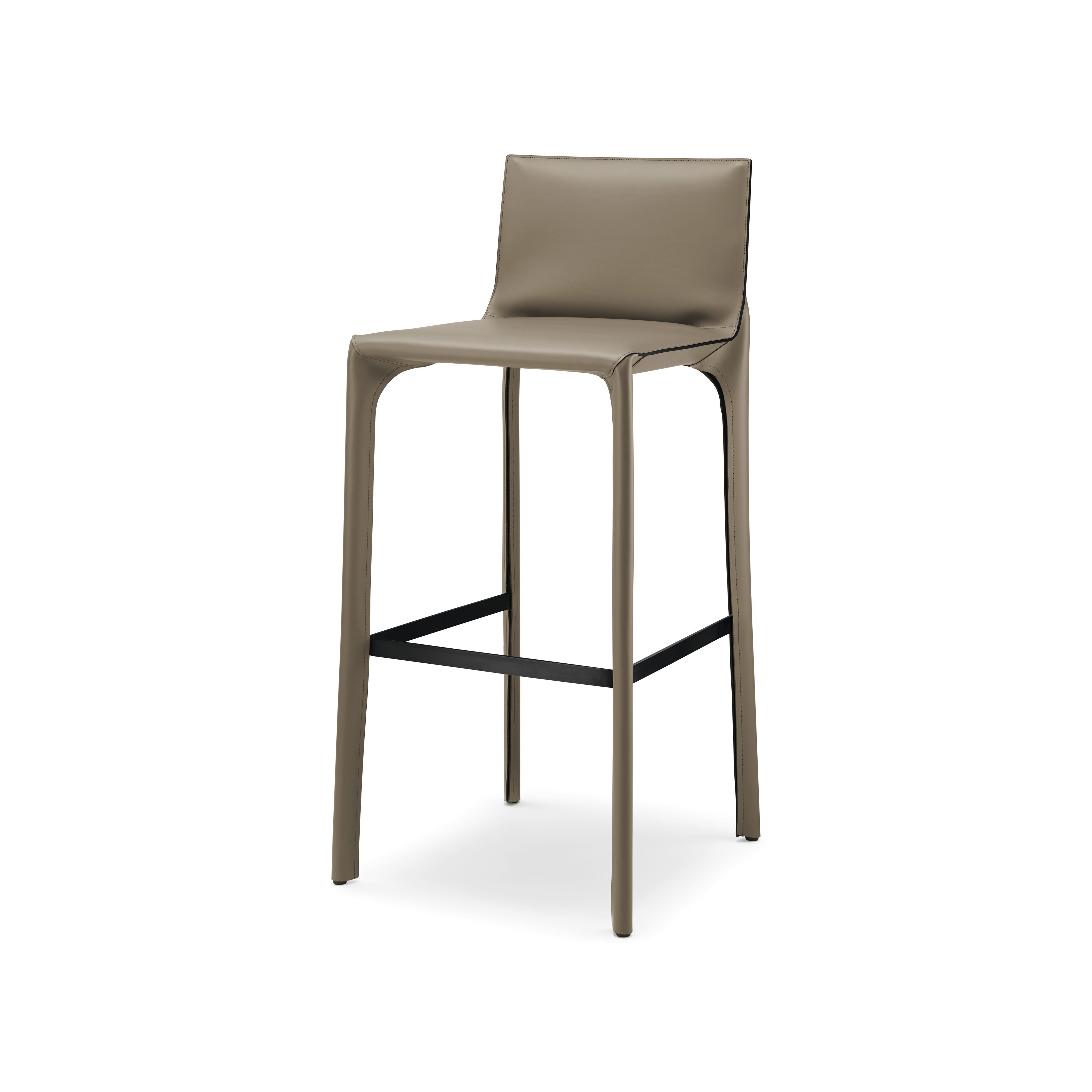 01-WK-Saddle-Chair_Barhocker-0001-H.tif