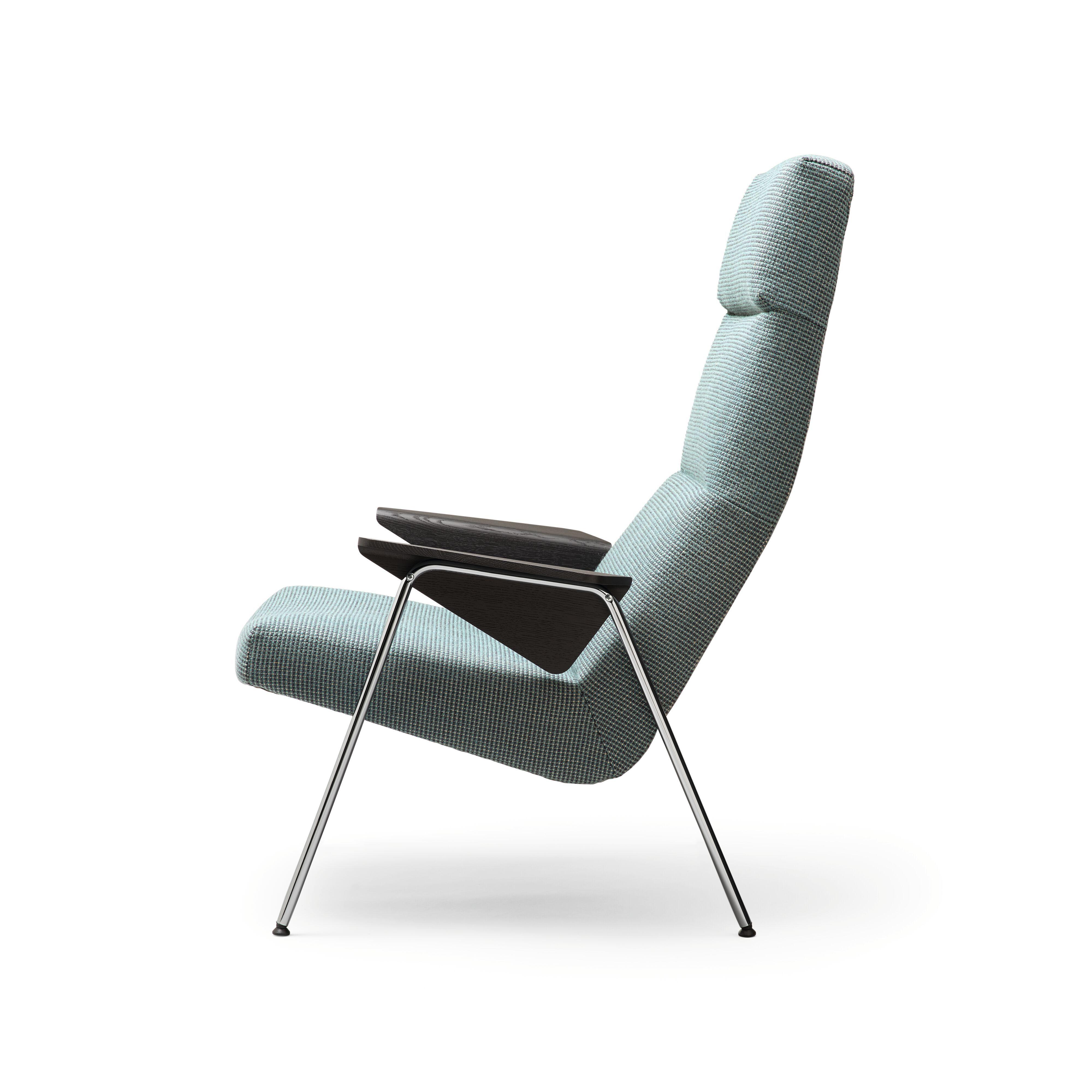02-WK-Classic_Edition-Votteler_Chair-0015-H.tif