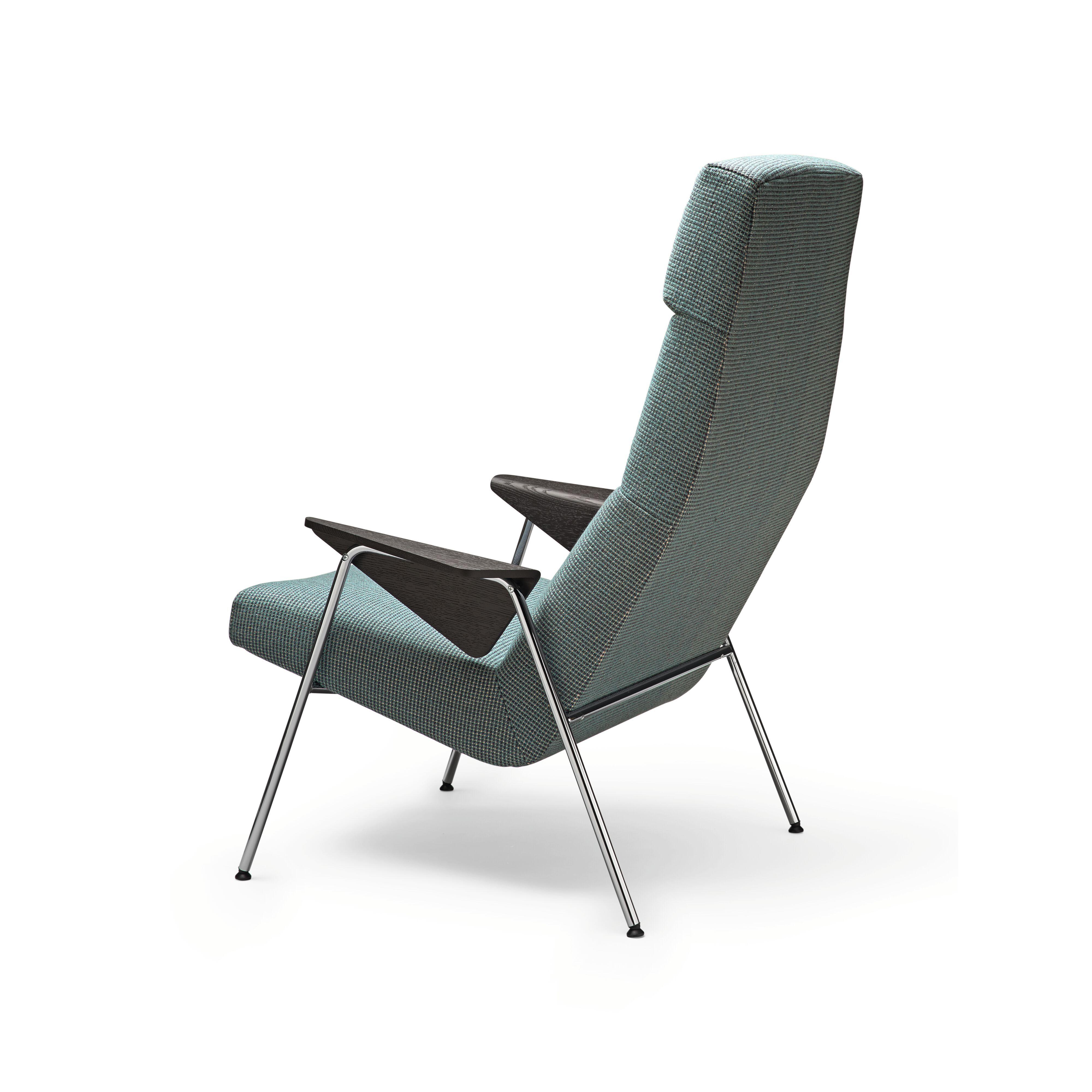 03-WK-Classic_Edition-Votteler_Chair-0017-H.tif