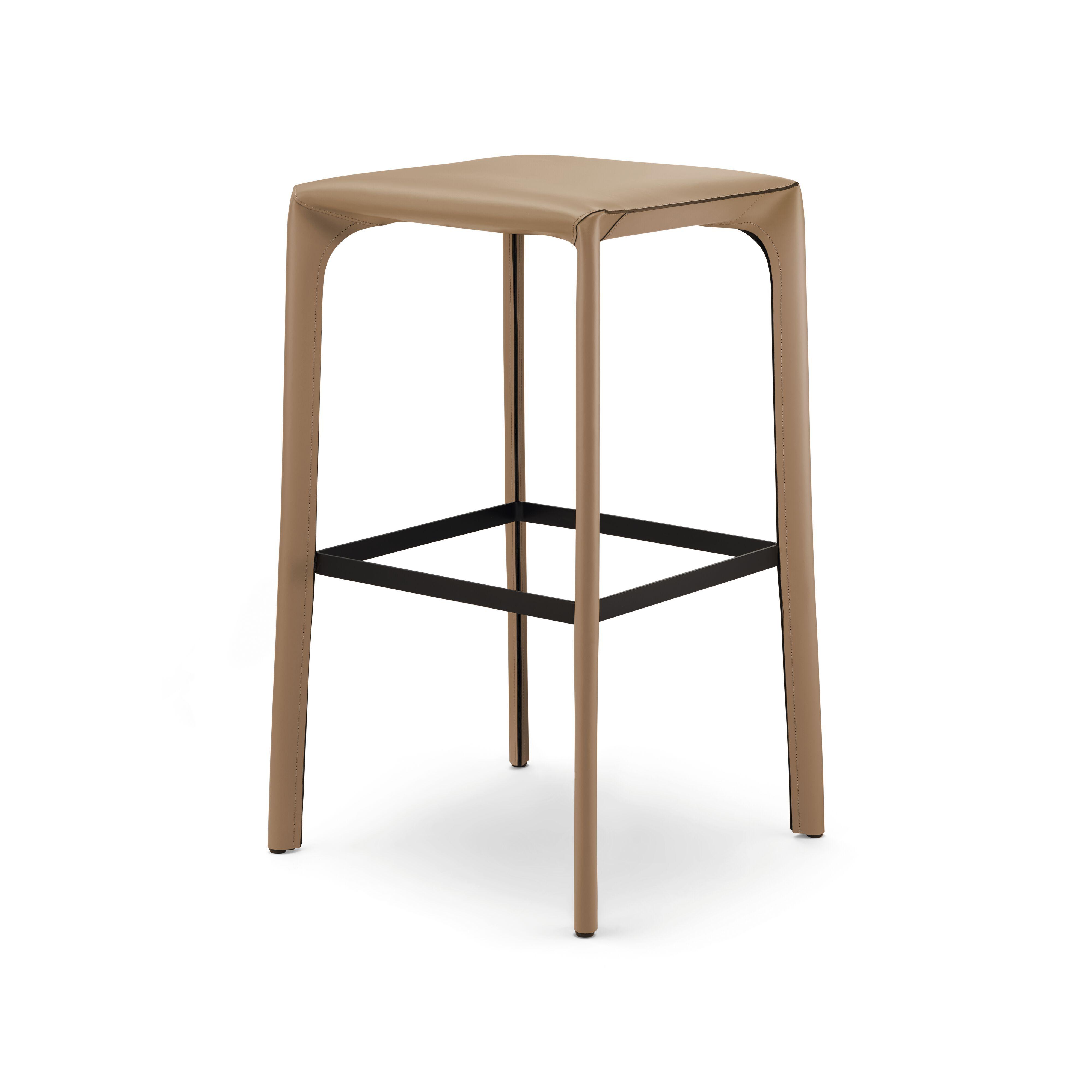 04-WK-Saddle-Chair_Barhocker-0002-H.tif