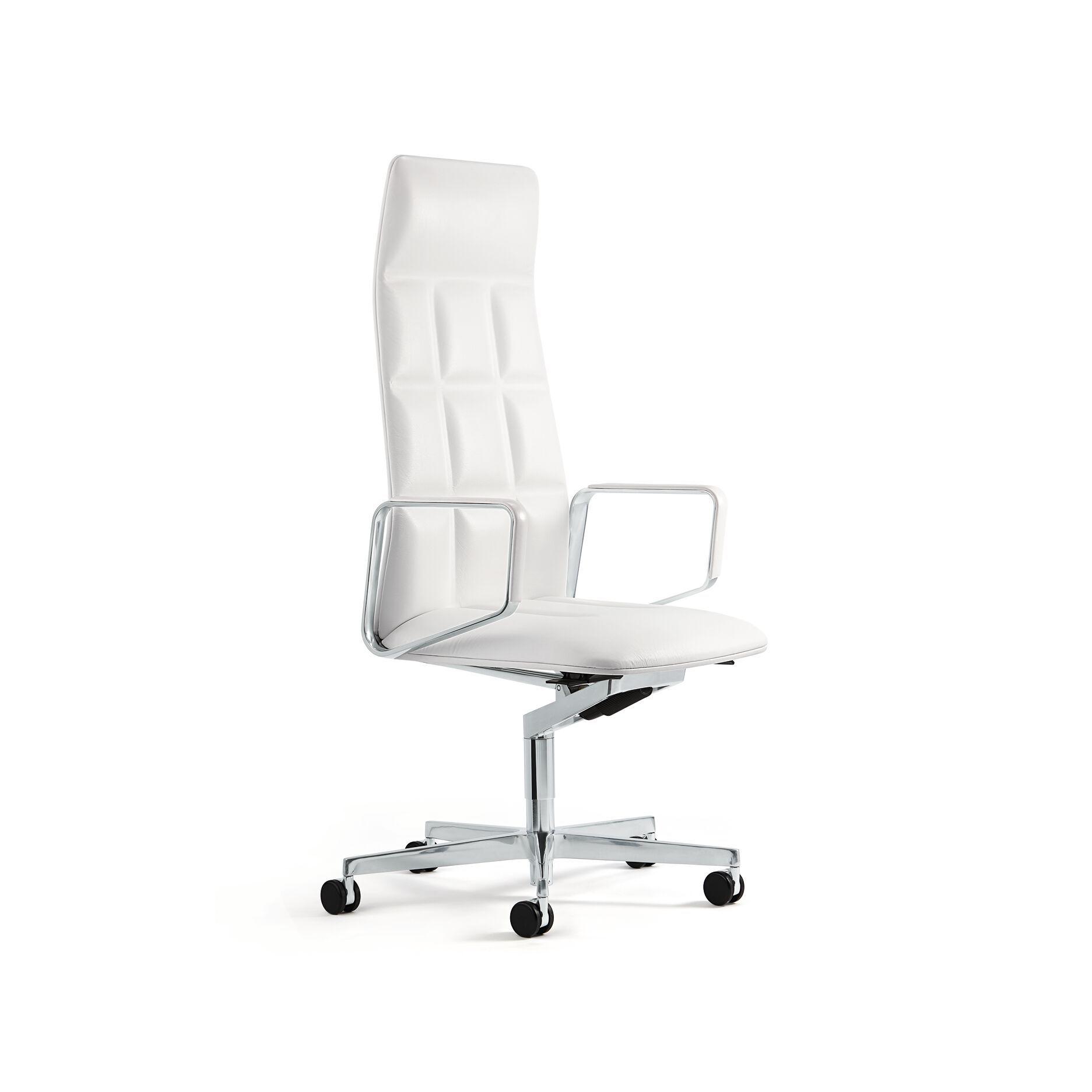 06-WK-Leadchair-0044-H.tif
