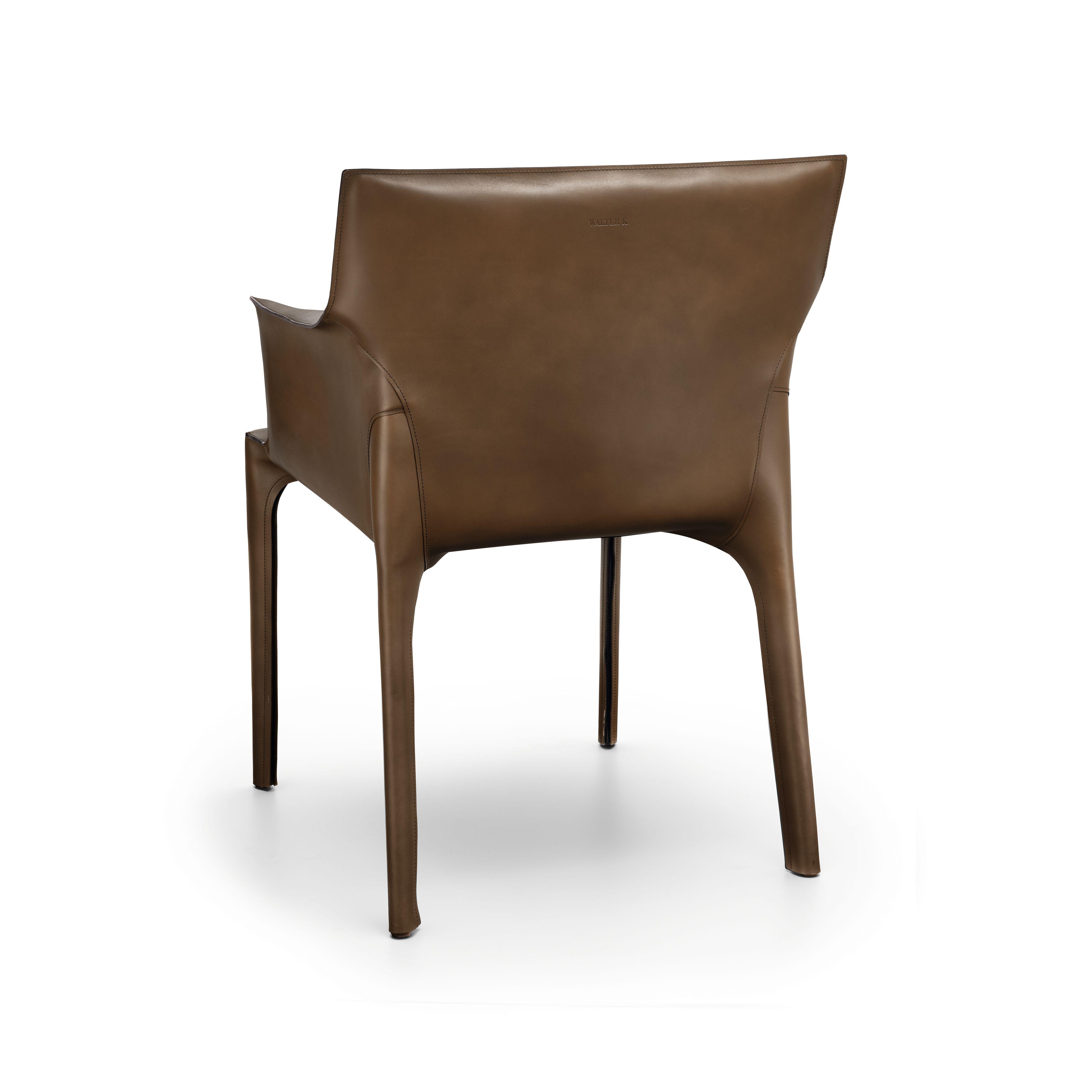 06-WK-Saddle-Chair-0024_WalterK.tif